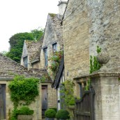 Wayne's Close, Burford