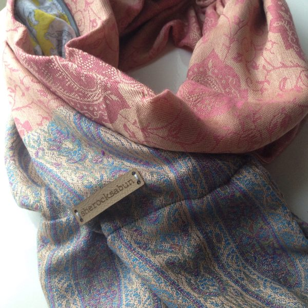 Old rose Latte pocket scarf by sherocksabun