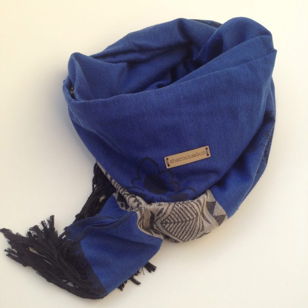 Dark-blue grey pocket scarf by sherocksabun