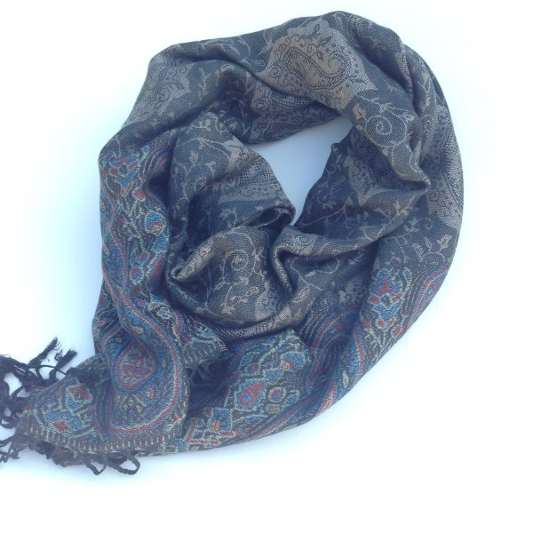 Dark grey detailed pocket scarf by sherocksabun