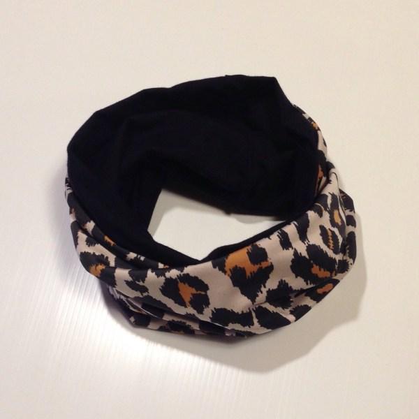 Tube scarf by sherocksabun