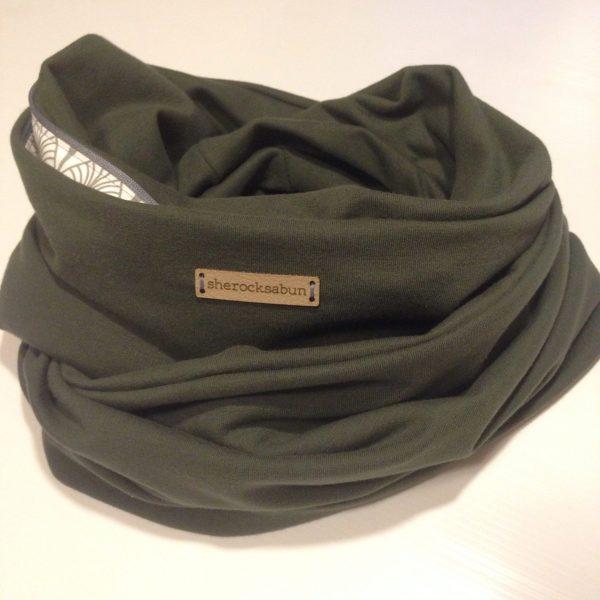 Pine green organic cotton Pocket scarf by sherocksabun / taskullinen huivi / scarf med ficka