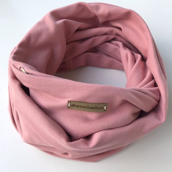 Pink organic cotton pocket scarf – Roosa luomu-college taskuhuivi – Rosa eko-college scarf med ficka