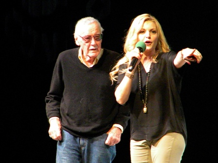 Stan Lee and Clare Kramer at ECCC 2015