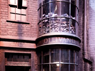 Olivanders Wand Shop Harry Potter England Sheerryn Leigh Clarke brendon van eyk travel holiday vaccation photography8