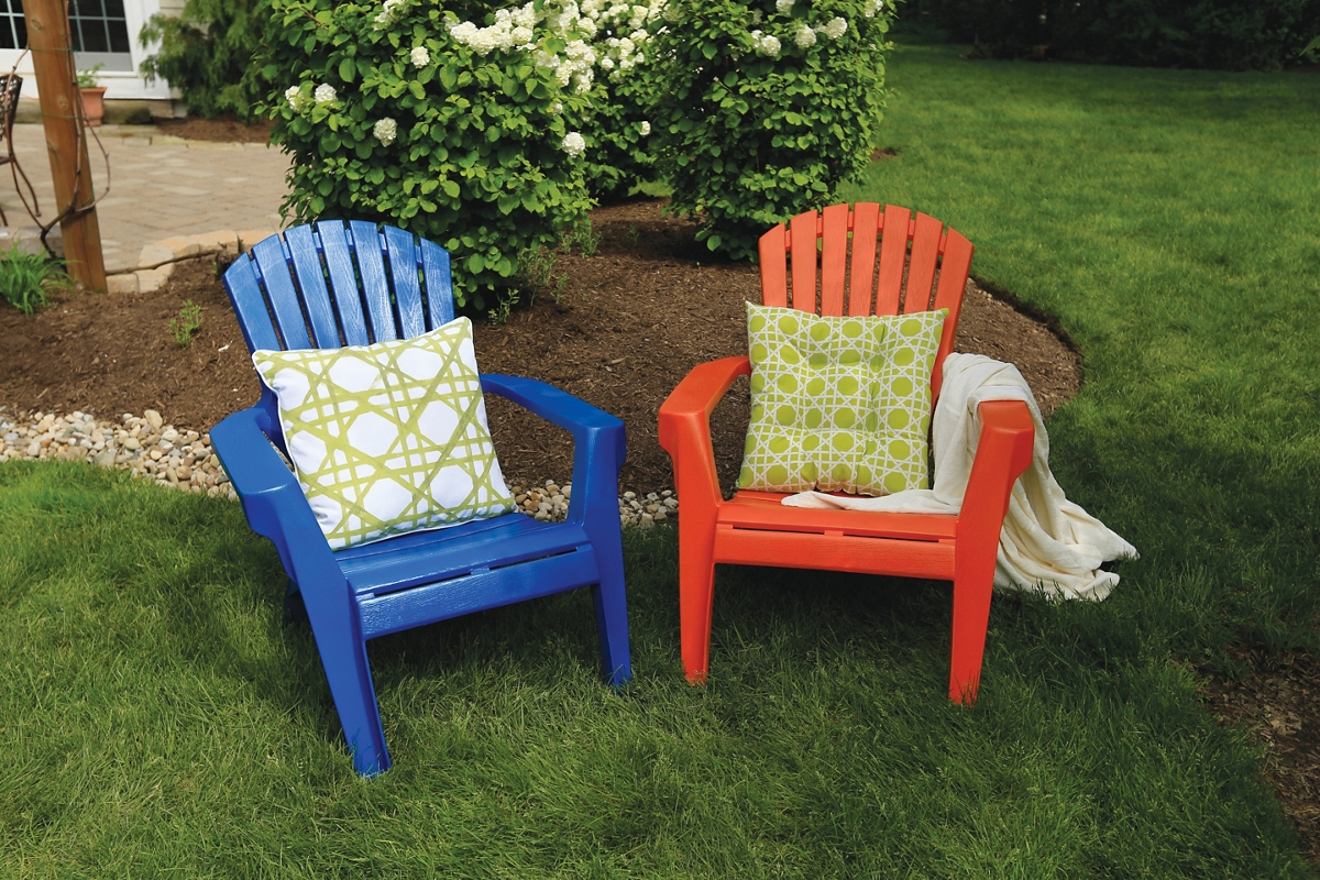 spray paint plastic chairs how to