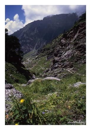 2002-08-HP-R1-008-Hampta Valley_upload