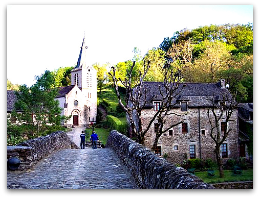 Belcastel village