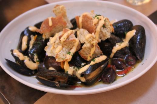 Mediterranean mussels, Cucina enoteca