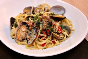 Linguine vongole with piquillo peppers, Cucina enoteca