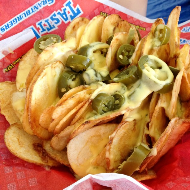 Tasti Chips Cheesy Jalapeno Chips & Ghost Chile Sauce