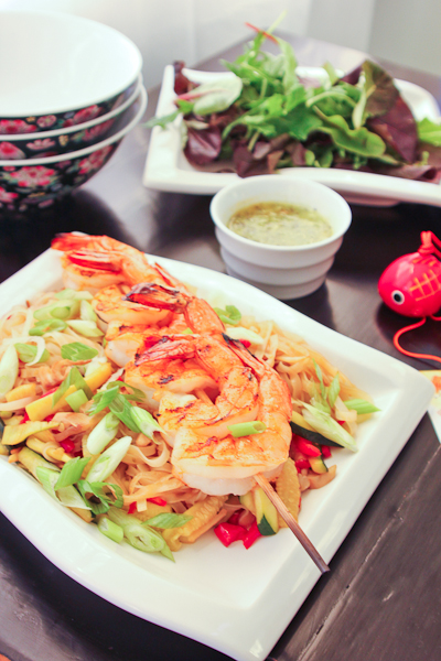 Shrimp and Pad Thai Rice Noodles with Lime Sauce-7906