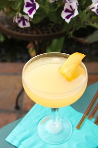 Bee's Knees cocktail, retro cocktails