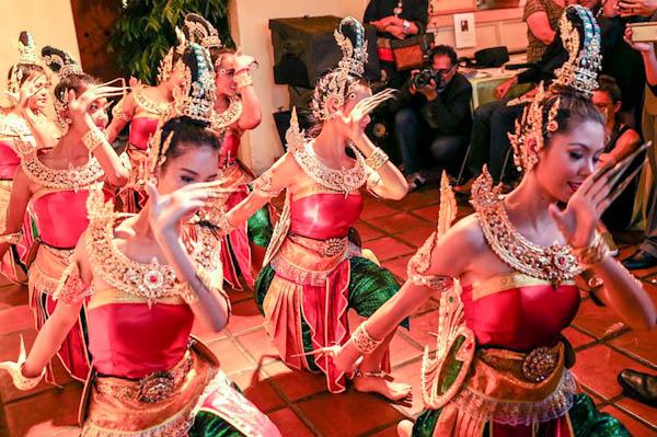 Thai dancers, The Gray Event | ShesCookin.com