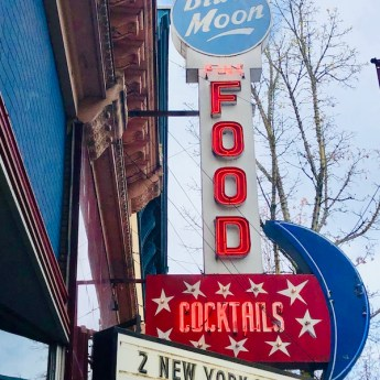 Blue Moon Bar and Grill, McMinnville, Oregon