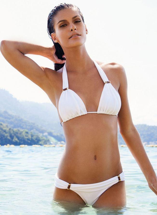 BestSwimsuitsForBigBreastWomen