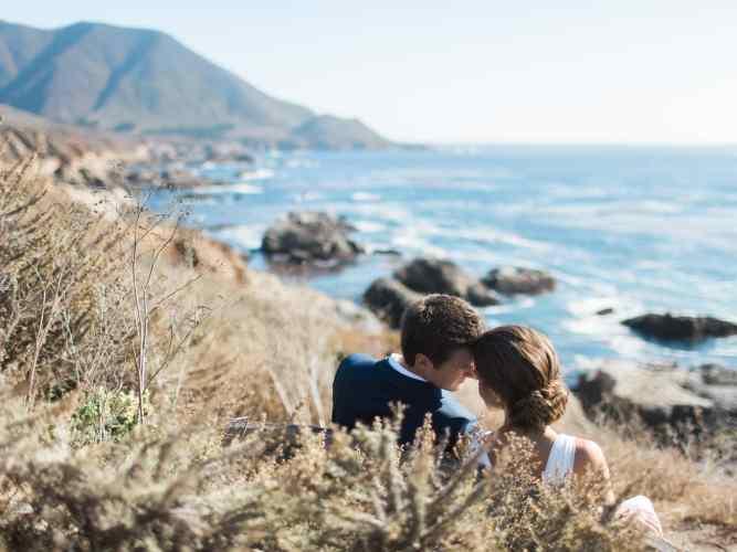 best-places-elope-garrapata-big-sur-wedding-photo-bench