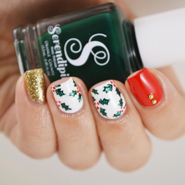 Winter Nail Designs: Holly Christmas Nail Art