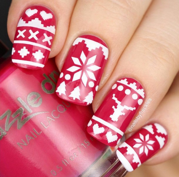 Winter Nail Designs: Red Sweater Christmas Nail Art