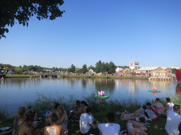Tomorrowland Day 1