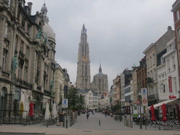 0587 210714 Antwerp Grote Markt