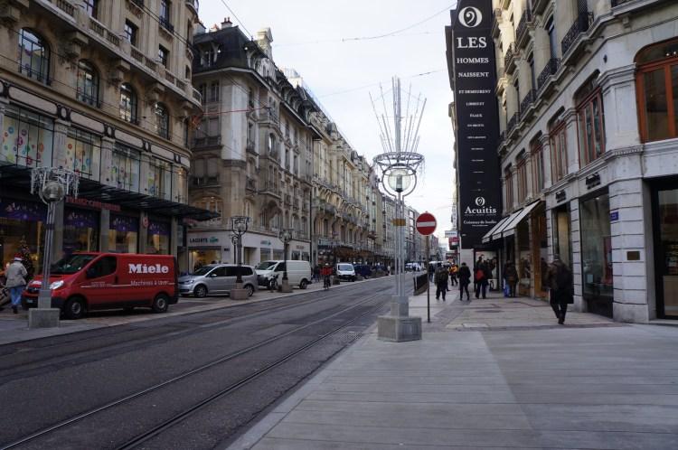 5451 241212 Geneva Old Town