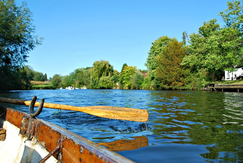 240711 4496 Boating on the Avon River