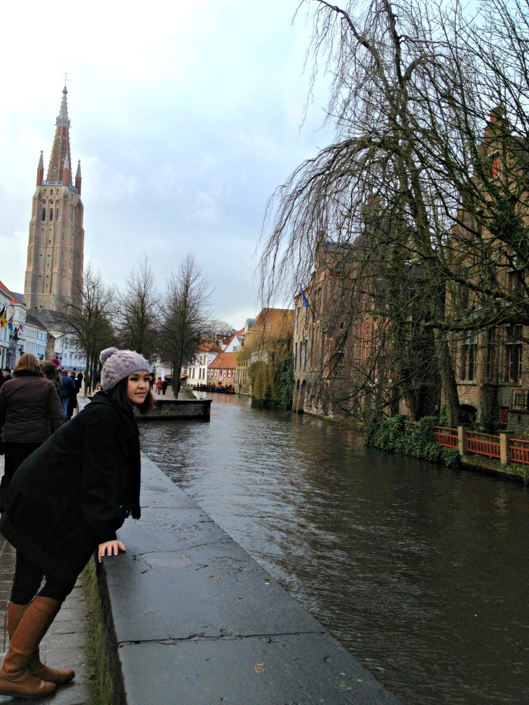 2844 161212 Walking Around Bruges and its Canals