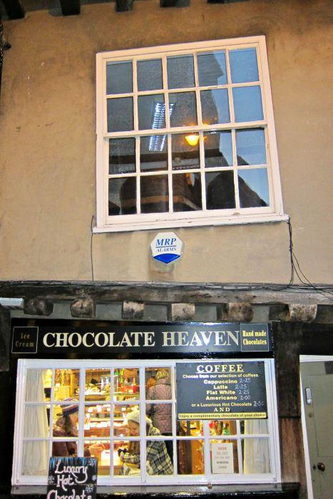 The Shambles- Mynn's Top 10 Things to do in York - www.shewalkstheworld.com