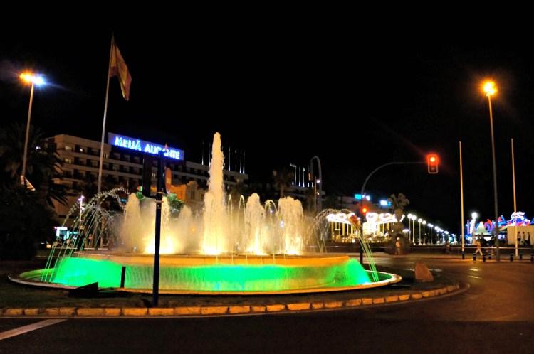 La Explanada de España - Alicante in One Day - www.shewalkstheworld.com