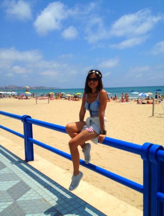 Postiguet Beach - Alicante in One Day - www.shewalkstheworld.com
