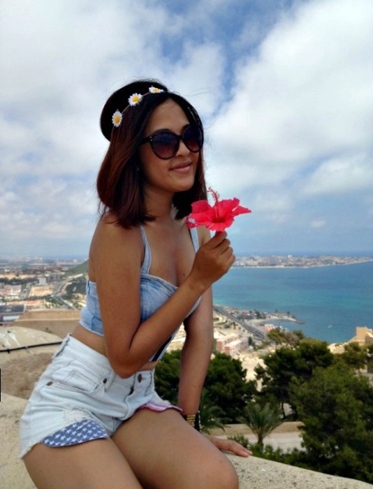 Santa Barbara Castle - Alicante in One Day - www.shewalkstheworld.com