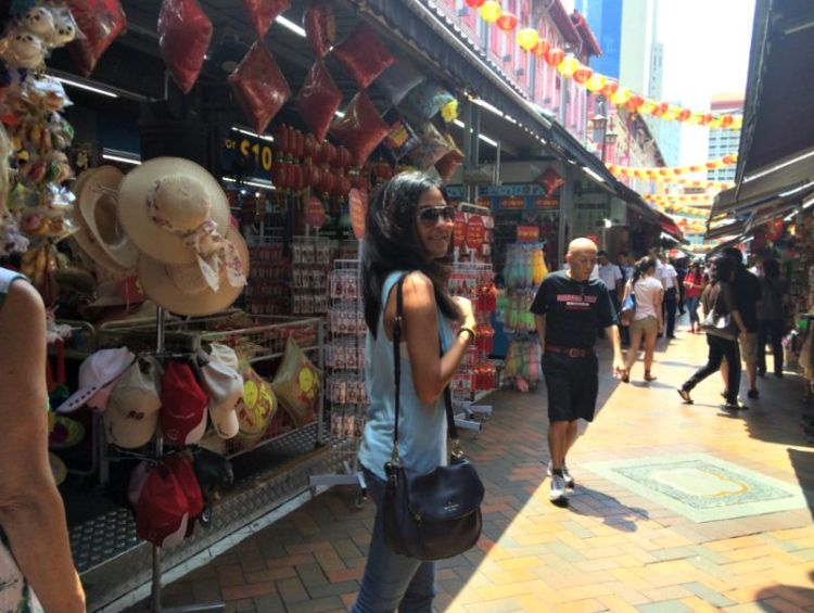A Day in Singapore's Chinatown - www.shewalkstheworld.com