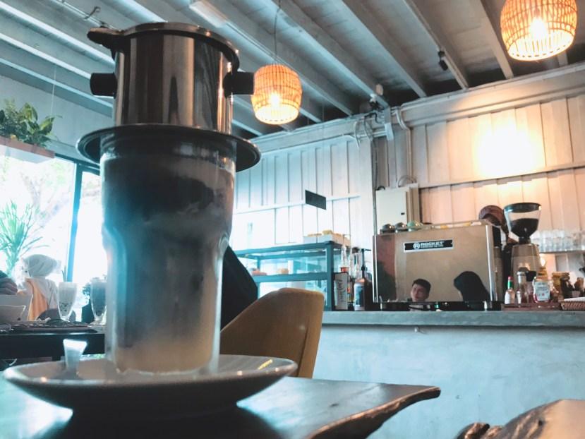 90 Degrees Cafe