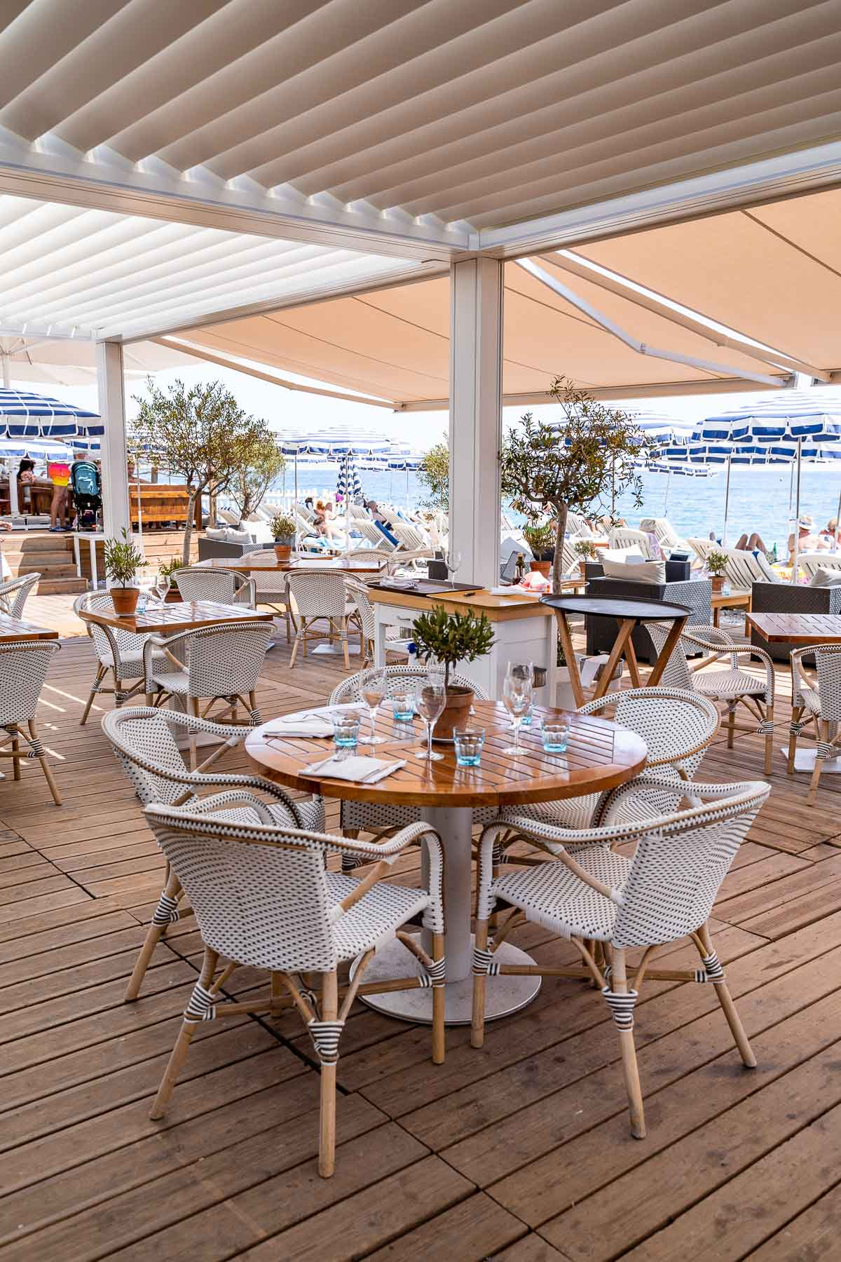 Cute tables at Ruhl Plage in Nice, France