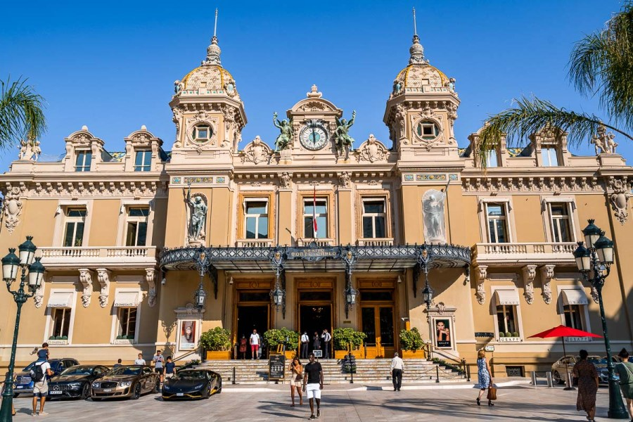 The famous Monte Carlo Casino that you can't miss when spending one day in Monaco