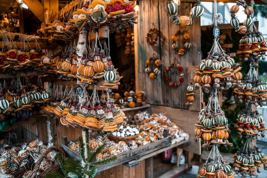 Souvenirs at the Christmas markets in Budapest