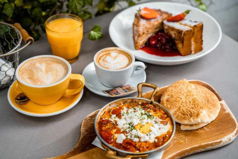 Delicious breakfast in Budapest at Törökméz