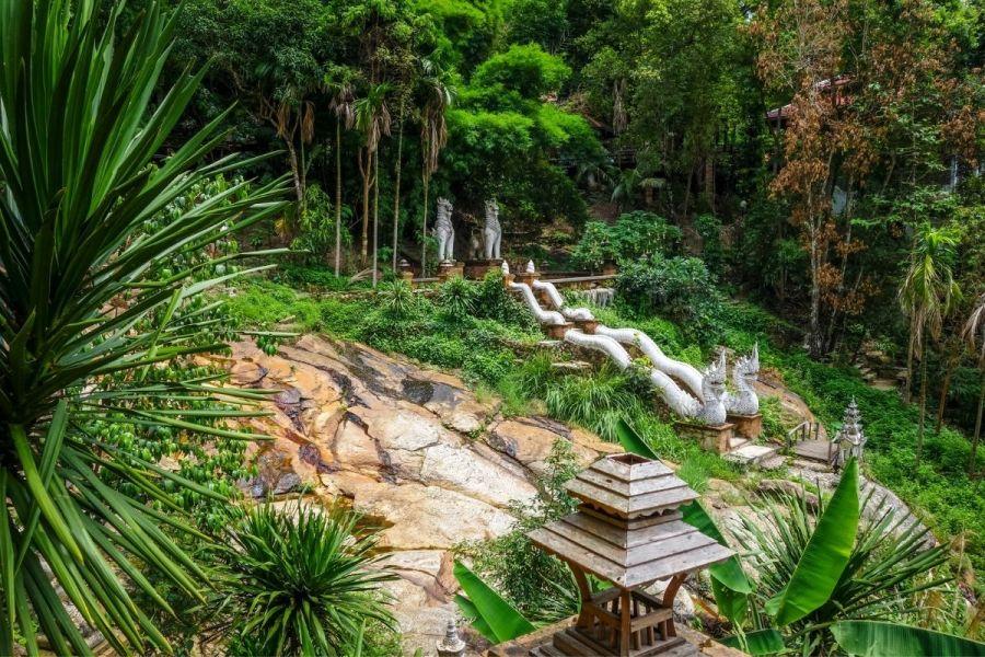 Wat Pha Lat Jungle Temple in Chiang Mai
