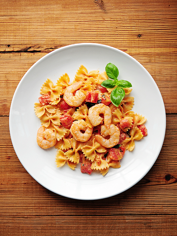 Lemon Pepper Shrimp and Pasta with Basil and Tomatoes