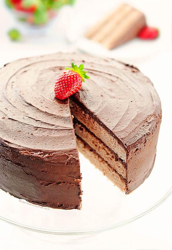 Strawberry Cake with Dark Chocolate Frosting Recipe | shewearsmanyhats.com
