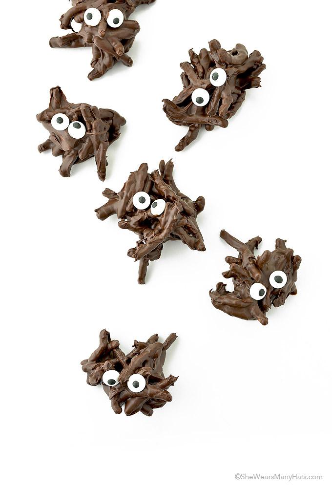 Easy Halloween Chocolate Spiders