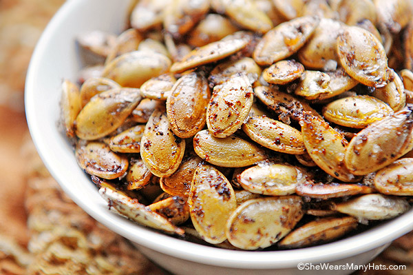 Spicy Toasted Pumpkin Seeds | shewearsmanyhats.com