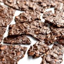 Dark Chocolate Toasted Almond Bark Recipe | shewearsmanyhats.com