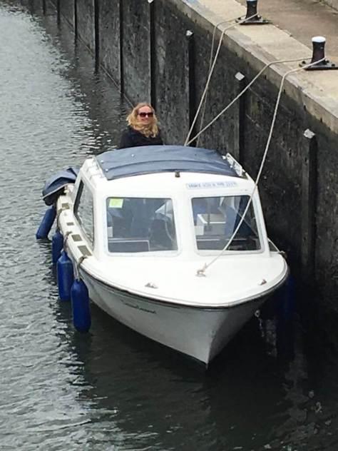 day_boat_hire_river_thames_harts_cruiser