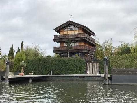 far_east_house-River_thames