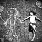 Wajarkah kehadiran Teman Imajinasi pada Anak?