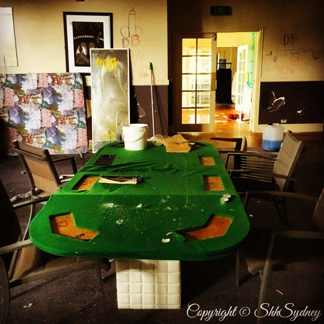 grotty games room
