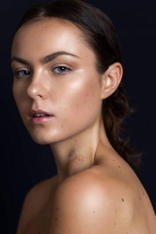 Claudia Maybury 15