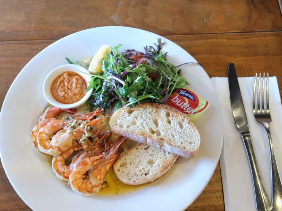 ニュージーランドデヴォンポートのマヌカカフェのガーリックプラウン